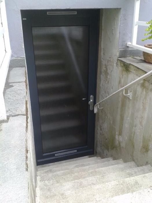 Häufig www.karnuth.de Türen Fenster - Keller- u. Nebeneingangstüren aus KB15